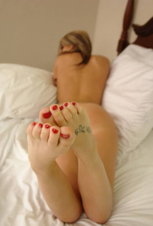 photo nu artistique tatouage foot fetish