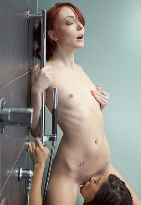 lesbienne rousse cunnilingus