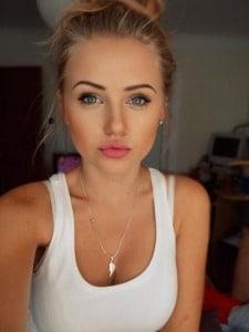 amatrice blonde sexy