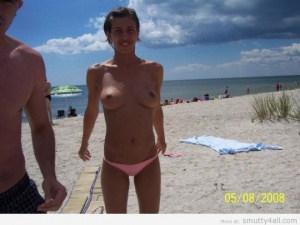 monokini-topless-plage-5