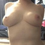 Seins en poire : Photos et gif sexy