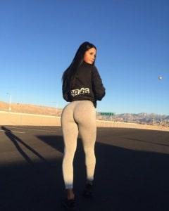 sexy-yoga-pants-10