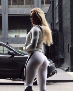 sexy-yoga-pants-12