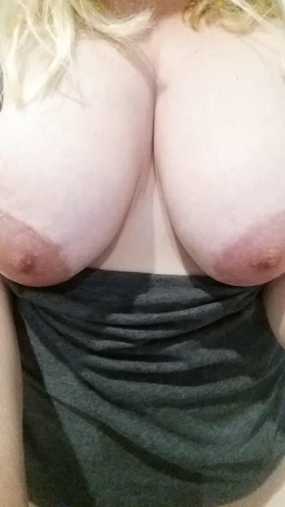 femmes rondes nues 17