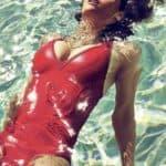 Photos et Gif Sexy d'Alexandra Daddario Nue dans ses Scènes de Sexe