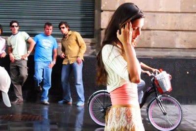 Comment aborder une fille dans la rue (1)