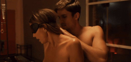 gif sexy charisma carpenter topless nue (4)