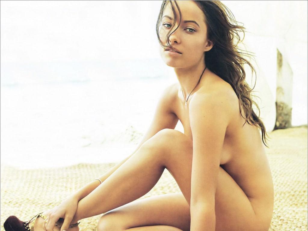 La belle Olivia Wilde se dévoile topless dans un Gif sexy