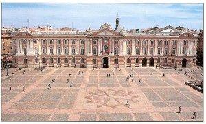 La Place du Capitole à Toulouse est l'une des plus belles places du monde
