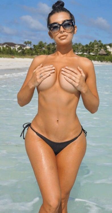 bikini topless handbra