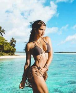 bikini babe amanda cerny