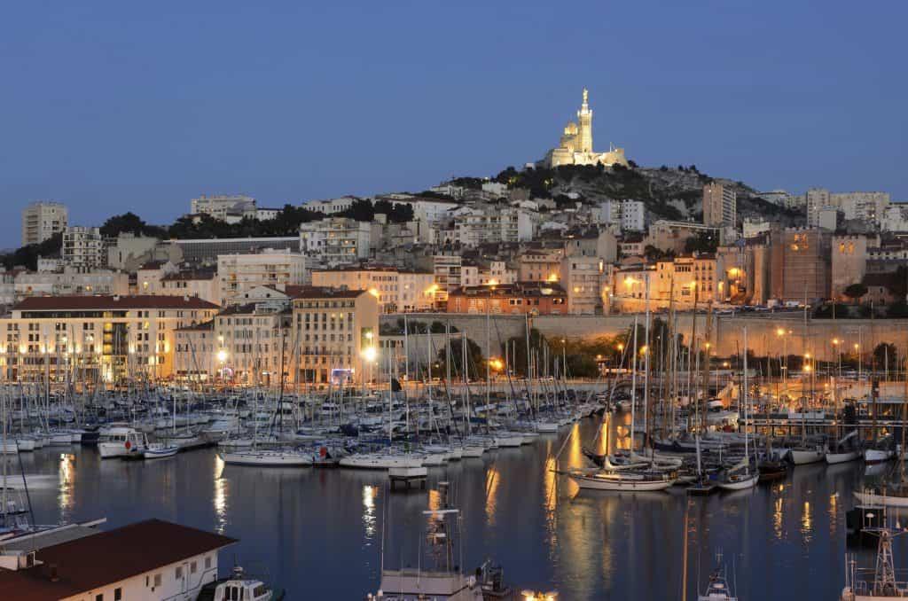 Prostitutées à Marseille – Tout savoir sur les rues et les tarifs des putes marseillaises