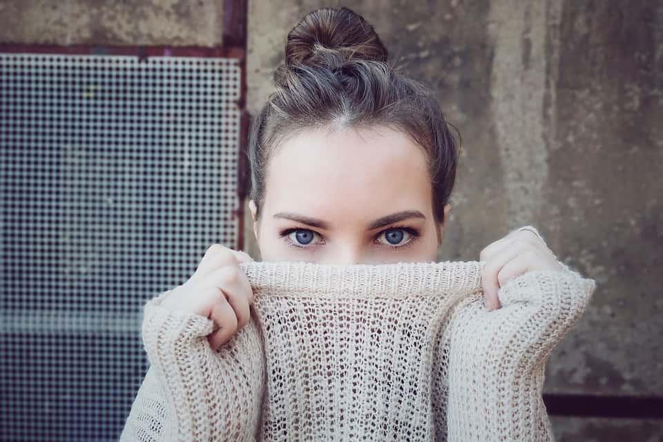 Eye Contact : quand la séduction commence par le regard