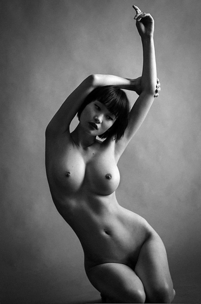154 Photos Sexy de Miki Hamano, la plus hot des Playmates Playboy Japonaise