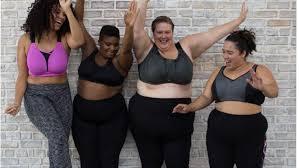 Petit à petit la société reconnaît la beauté des femmes rondes et des concours de miss rondes voient le jour.