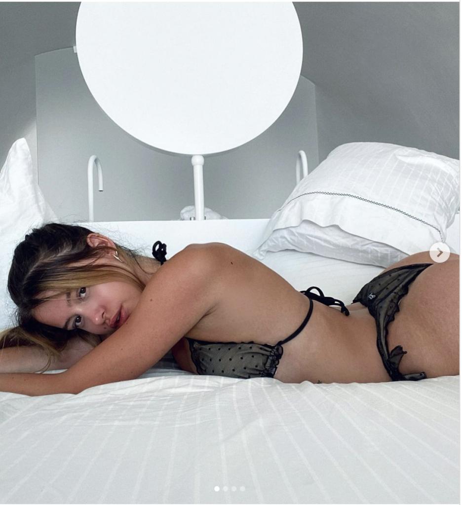 Lea Elui Nue – Photos sexy de la star française de TikTok