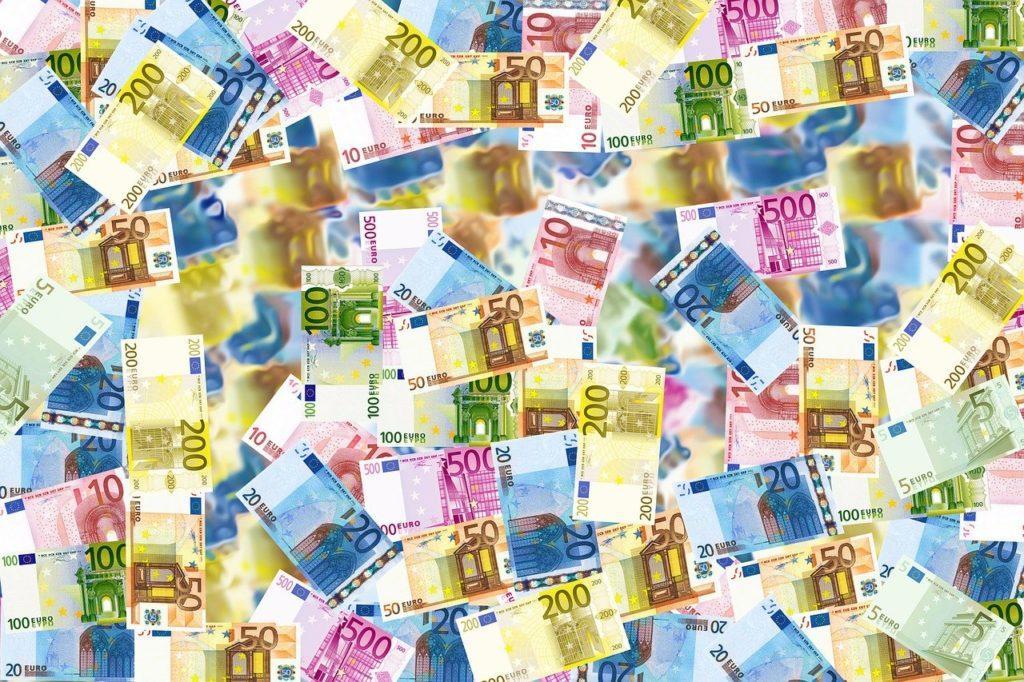 Fiscalité et Camgirls – Quels impôts et quels déclarations pour ses tips et tokens ?